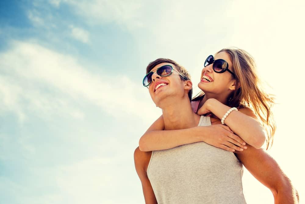 זוג שמח ומאושר